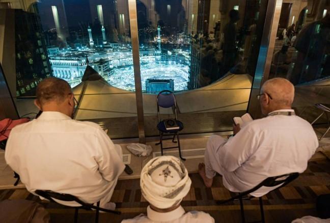 فنادق فخمة في مكة... مسلمون أثرياء يطلّون على الكعبة من أجنحة فاخرة